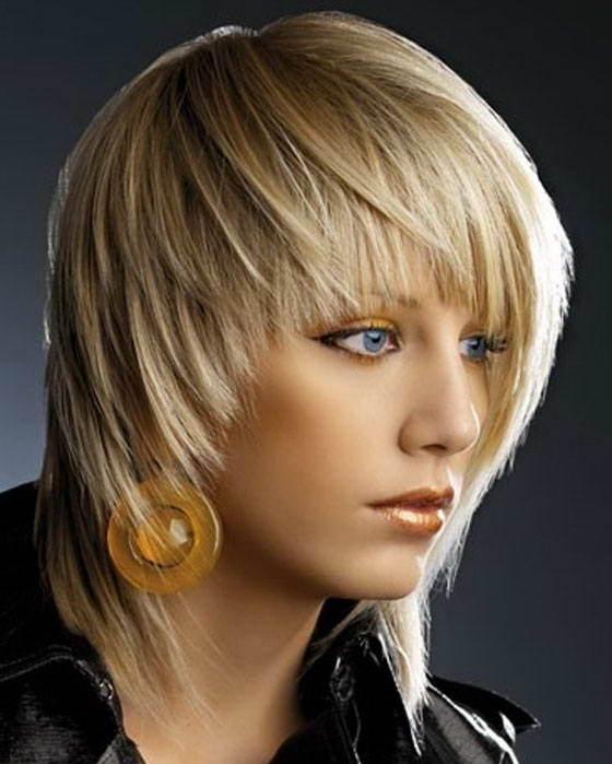 модные женские со средней длиной волос прически 2009