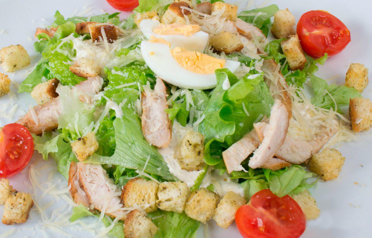 рецепт приготовления салата цезарь с фото