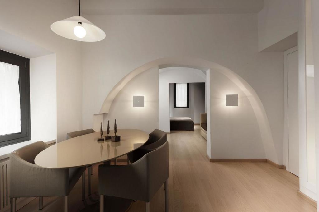 Apartamentyi-v-stile-minimalizma-v-istoricheskom-rayone-Rima