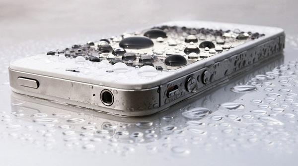 kak-vosstanovit-povrezhdennyy-vodoy-telefon