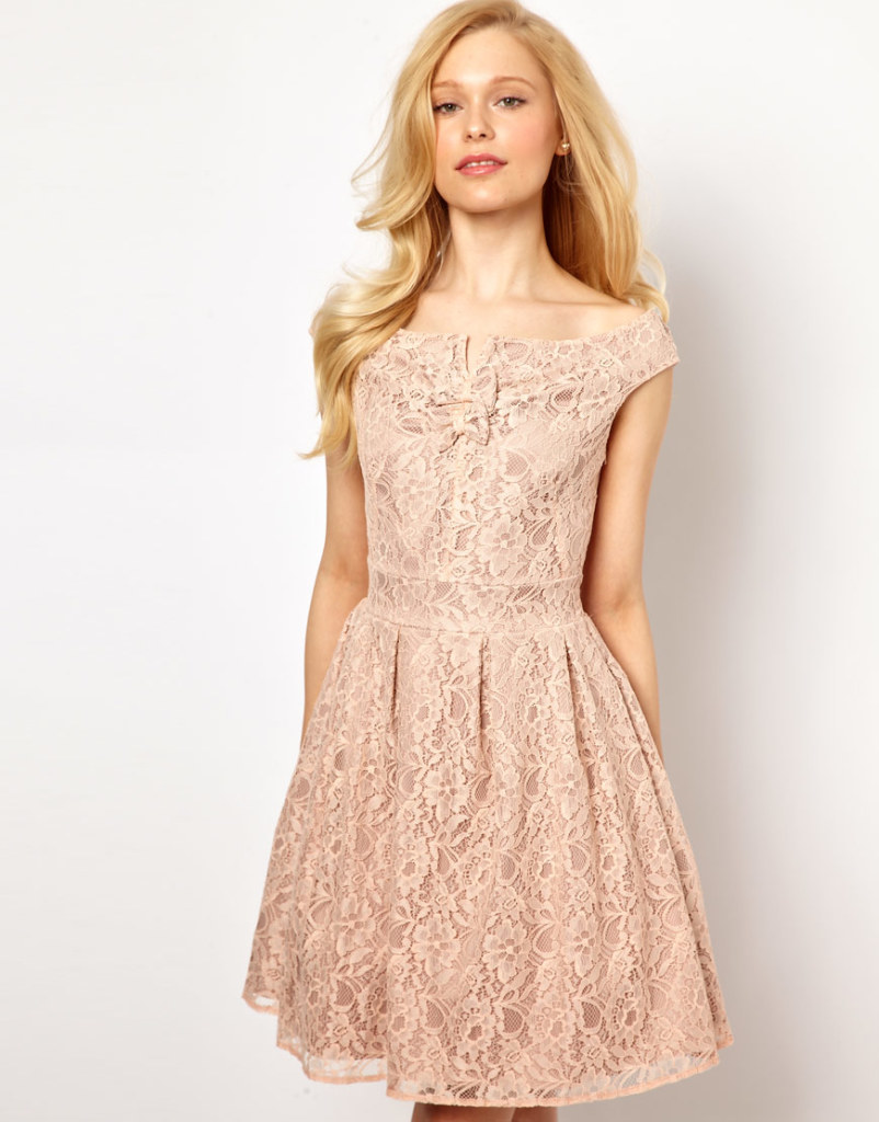 кружевное платье светло розовое